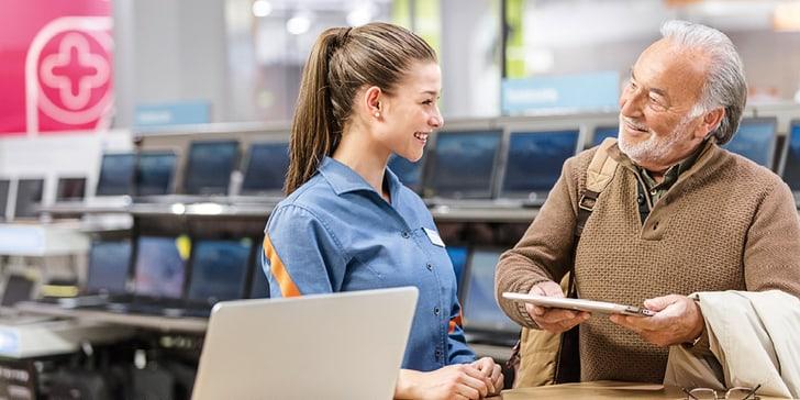 Melectronics Fachspezialist unterstützt beim IT-Sorglos-Comfort Paket