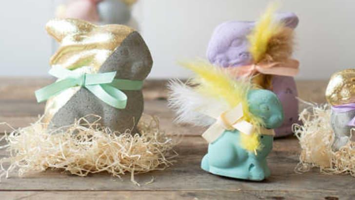 Lapins de Pâques en béton